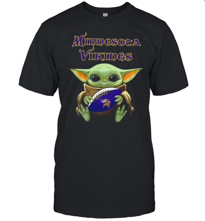 Baby Yoda Hug Minnesota Vikings 2021 shirt Classic Men's T-shirt