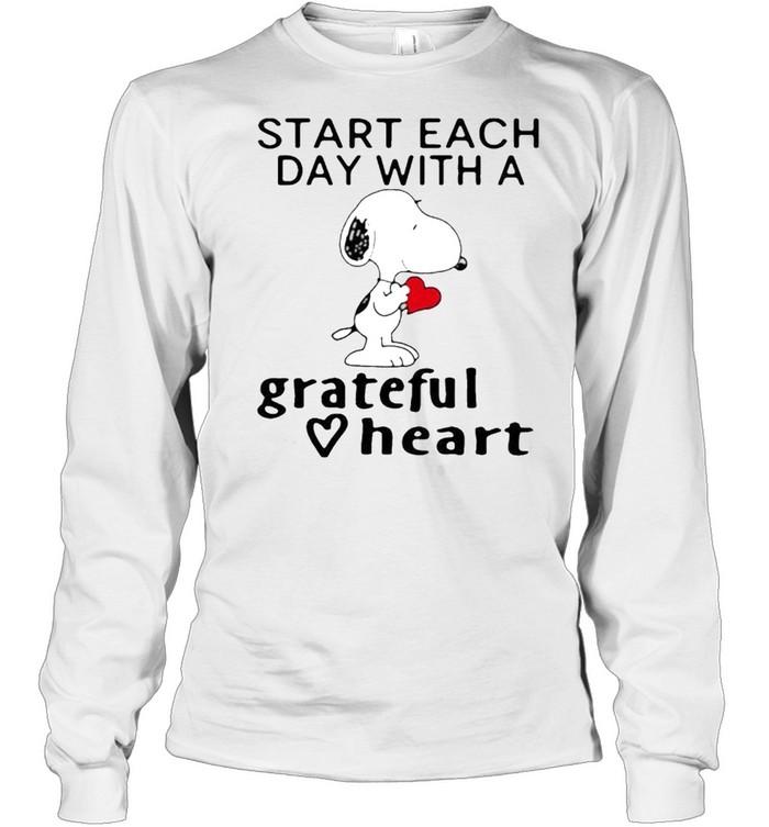 Start each day with a grateful heart snoopy shirt Long Sleeved T-shirt